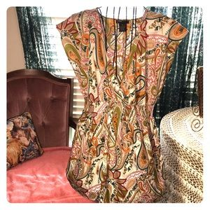 Beautiful paisley print, sleeveless tunic top, M.